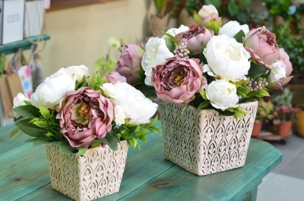 Купить композицию из искусственных цветов в Гомеле