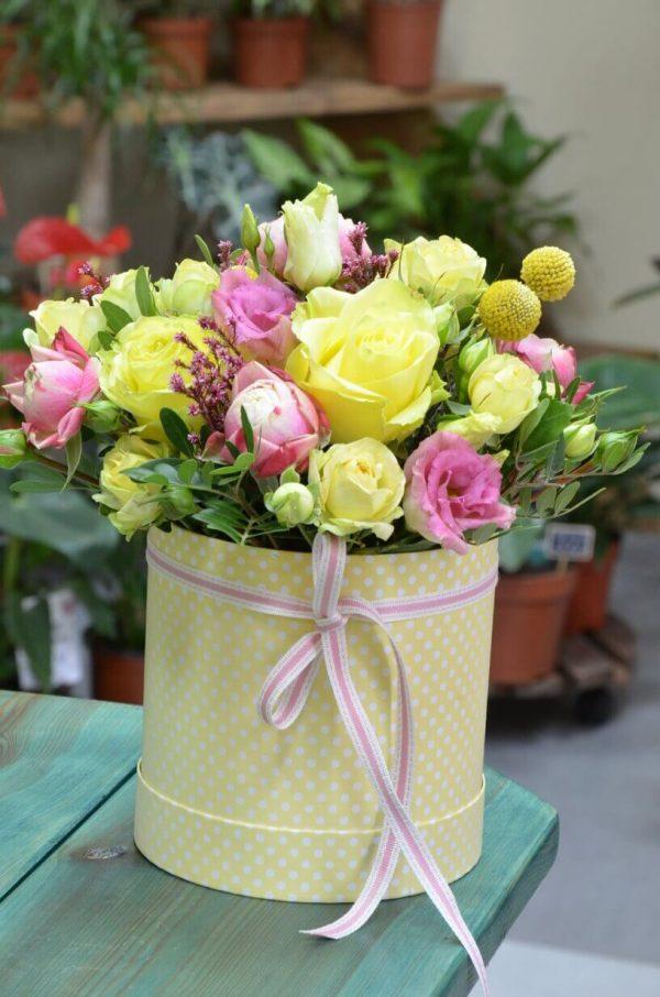 Заказать цветы в коробке в Гомеле