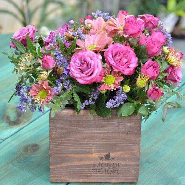 Траурная композиция из живых цветов в Гомеле