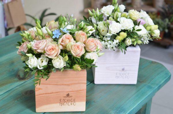 Заказать розы в деревянной коробке в Гомеле