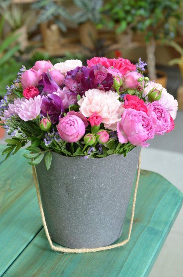 Купить цветы в коробке в Гомеле