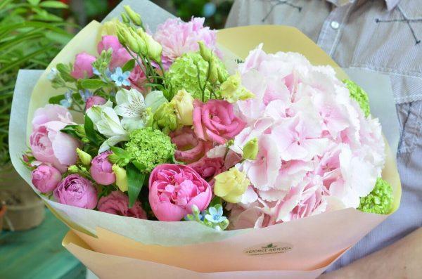 Купить нежный букет цветов в Гомеле
