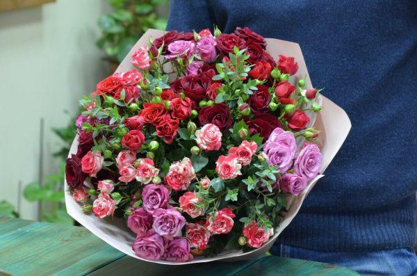 Заказать букет роз с доставкой в Гомеле